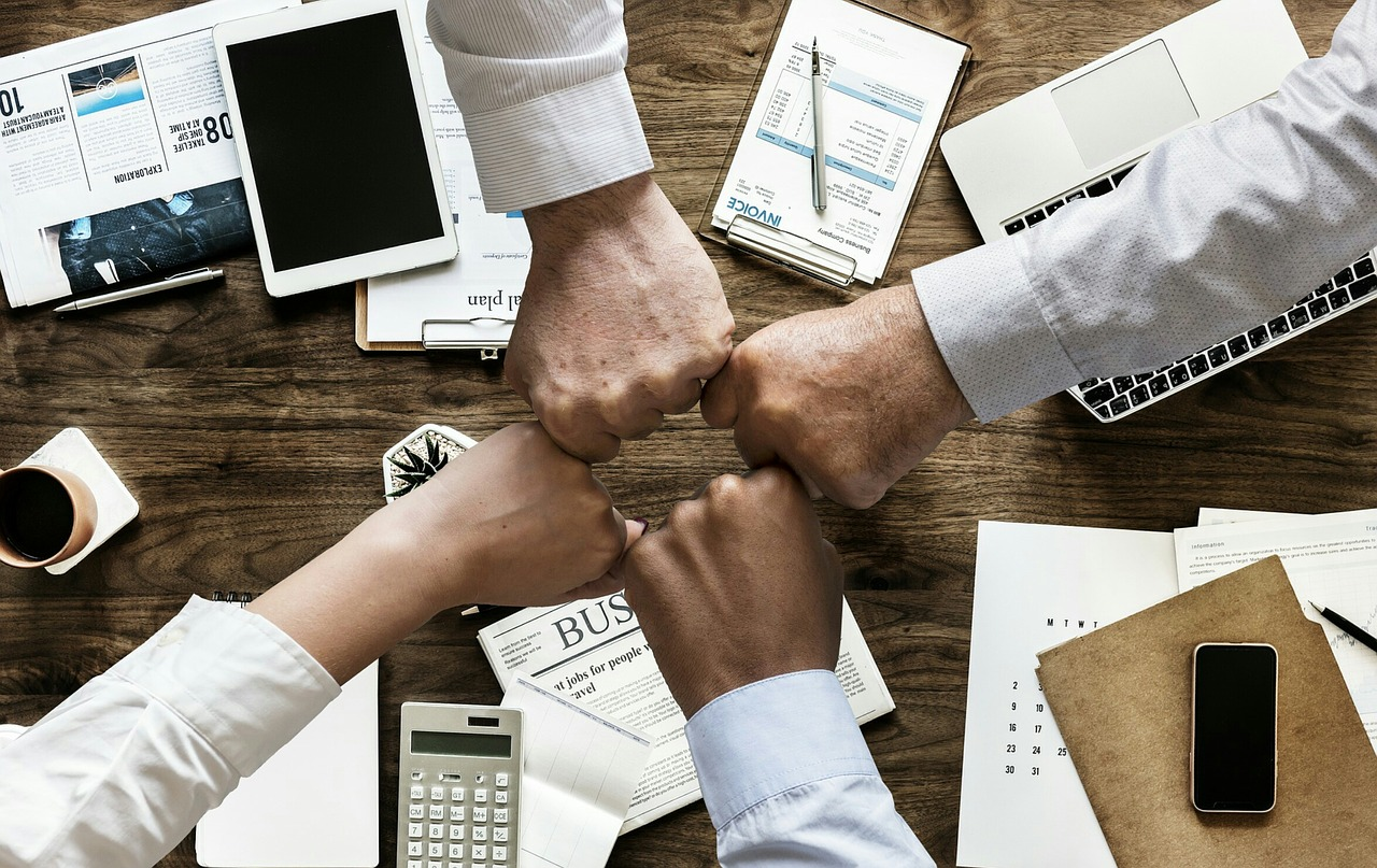 أربعة أدوات تساعد رواد الأعمال على إنجاز العمل بسهولة