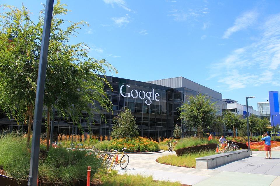 لماذا لا تهتم جوجل بالدرجات الجامعية خلال عملية التوظيف؟